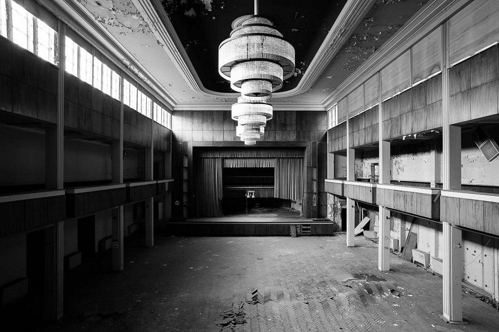 Ballsaal F.